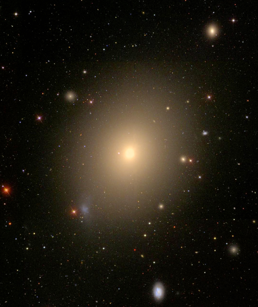 This image of the elliptical galaxy NGC 4472 is from the Sloan Digital Sky Survey. Credit: WikiSky/SDSS