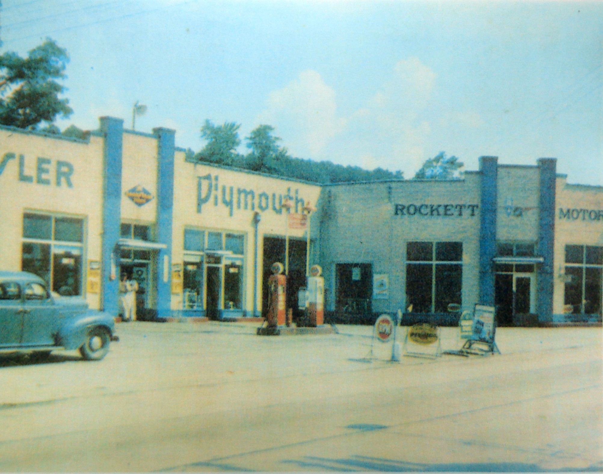 Rockett Motors in Old Fort (present location of Old Fort Mountain Music). Jep Gibbs was employed here early in her working life. (Photo courtesy of Bill Nichols, John's Market Collection)
