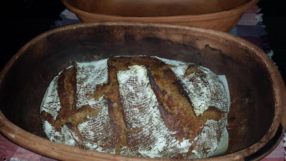 bread in clay baker