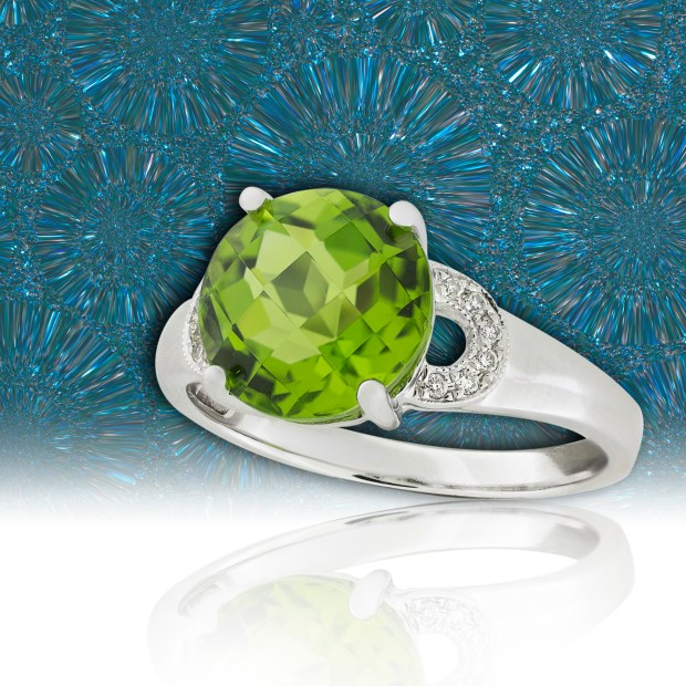 White gold ring with peridot and diamonds