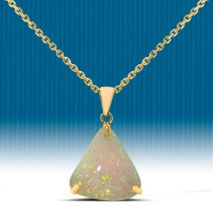 Opal pendant with yellow gold chain