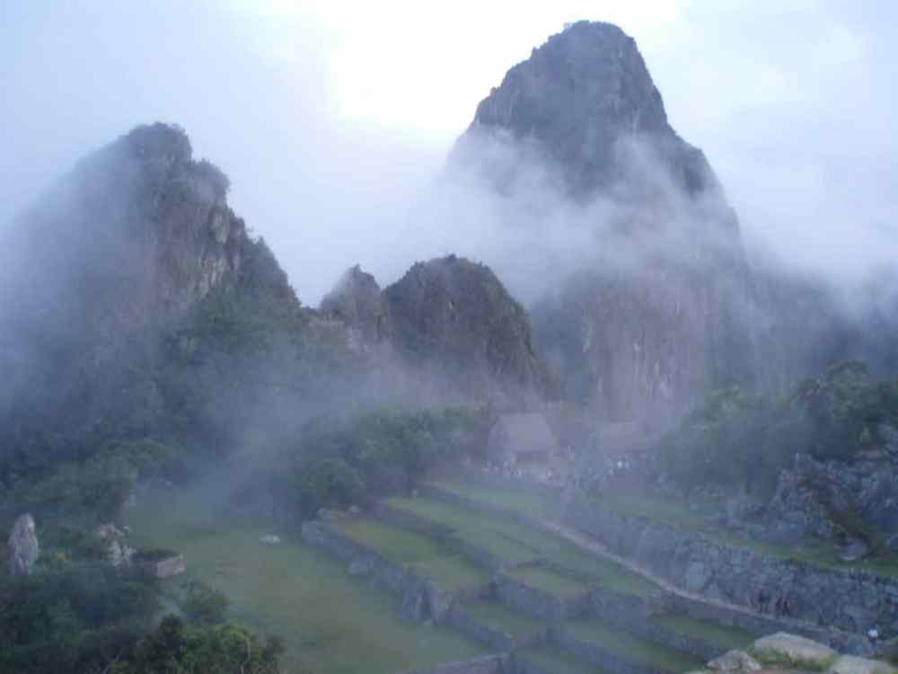 Machu Pichu tôt le matin Pérou