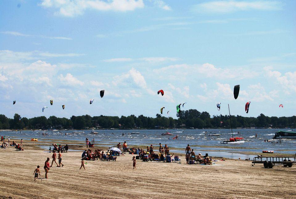 Kite Surf à la plage de Venise-en Québec, Montérégie