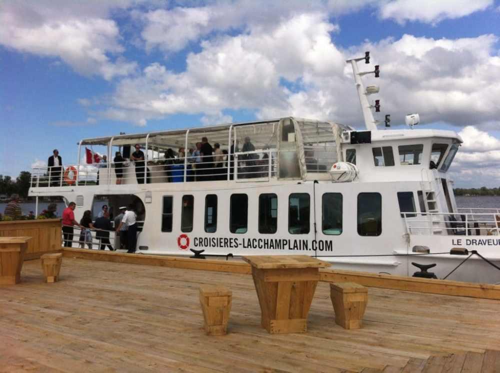 Le bateau de croisière de la Baie Missisquoi sur le Lac Champlain à Venise-en-Québec