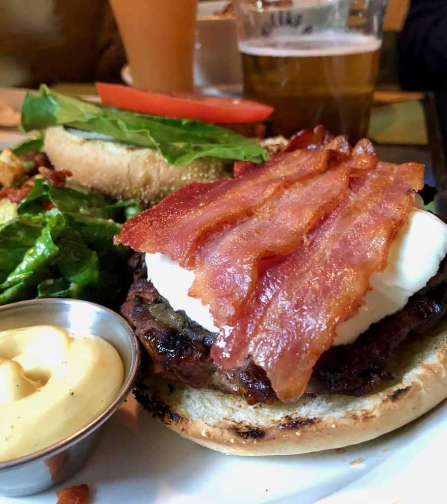 Burger de chèvre du Pub St-Marc