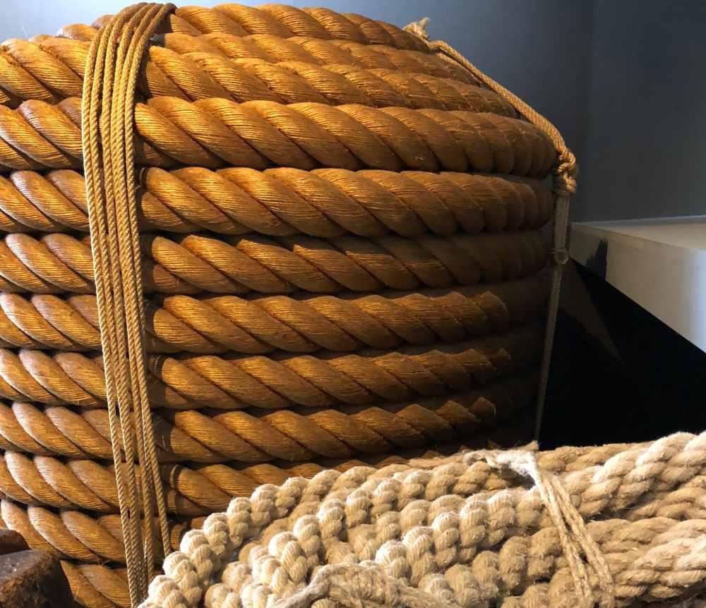 Visite de la Corderie Royale à Rochefort où l'on fabriquait les cordages des anciens navires de guerre, Nouvelle-Aquitaine, France
