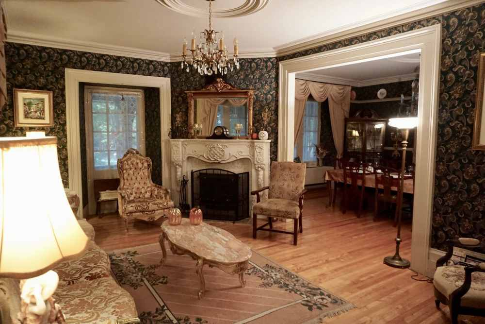 Intérieur du Manoir d'Irlande avec sa déco du 19ième siècle en Chaudière-Appalaches, B&B