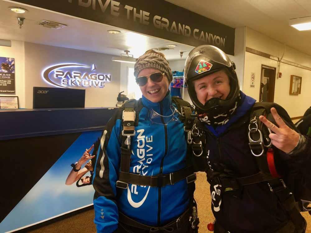 Ashley, guide pour le parachute en tandem chez Paragon Skydive Arizona