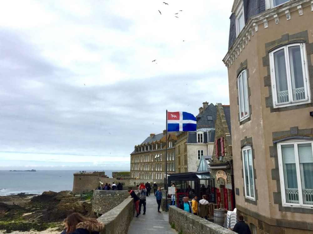 Balade sur les fortifications de St-Malo, Bretagne, France
