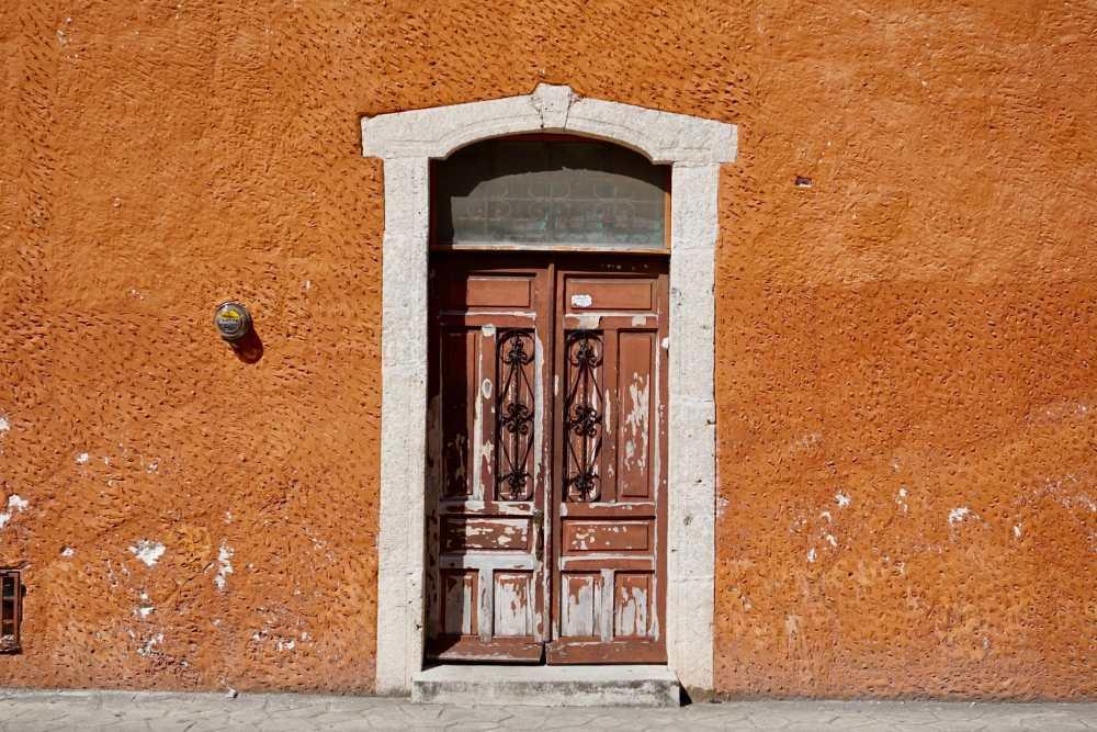 Une des facades colorées des rues de Valladolid Mexique