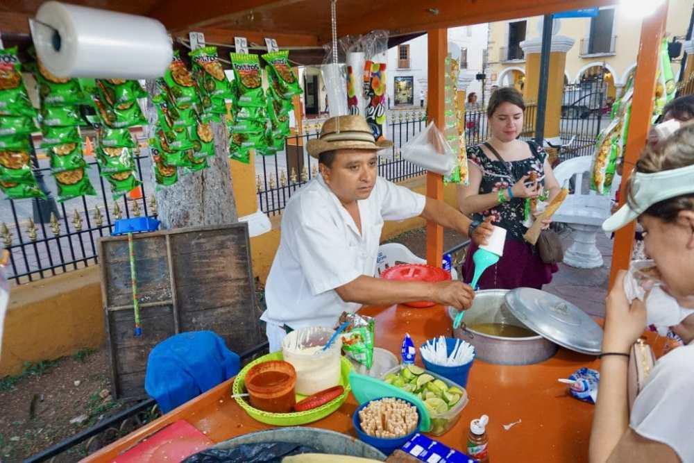Vendeur de rue Valladolid Mexique