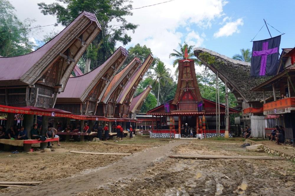 Le site de funérailles dans la région de Tana Toraja sur Sulawesi