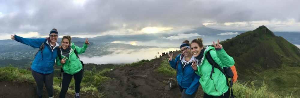 Au sommet du Mont Batur, volcan à Bali, Indonésie