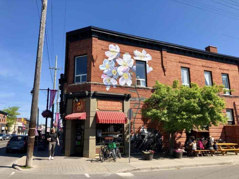 Quartier Glebe Ottawa café boutique et art de rue