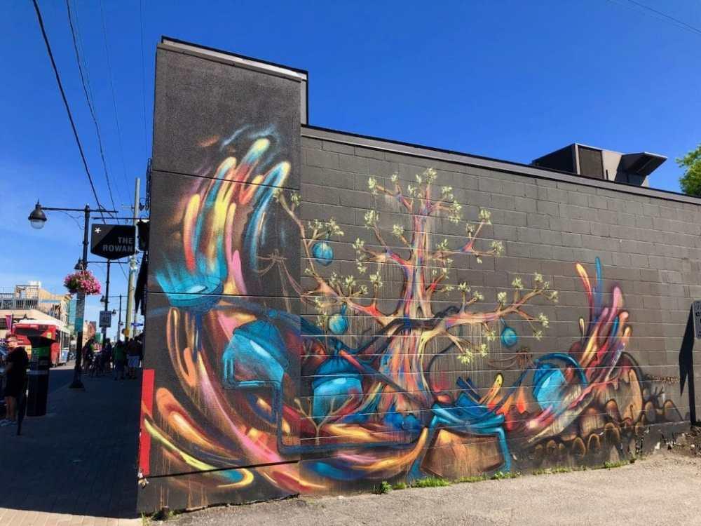 Art de rue sur Bank St dans le quartier Glebe à Ottawa