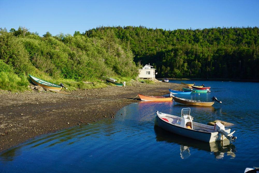 Au coucher de soleil du côté ouest de l'île de Grand Manan au Nouveau Brunswick