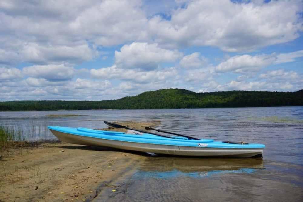 Kayak au Lac Édouard au Parc de la Mauricie