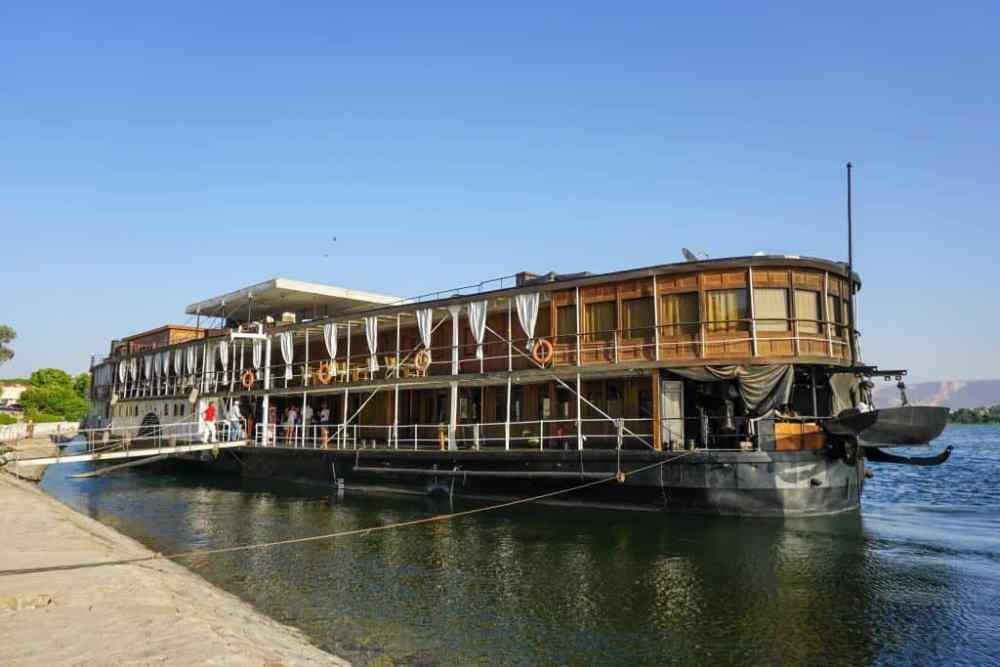 Le Steam Ship Sudan à quai à Qena sur le Nil
