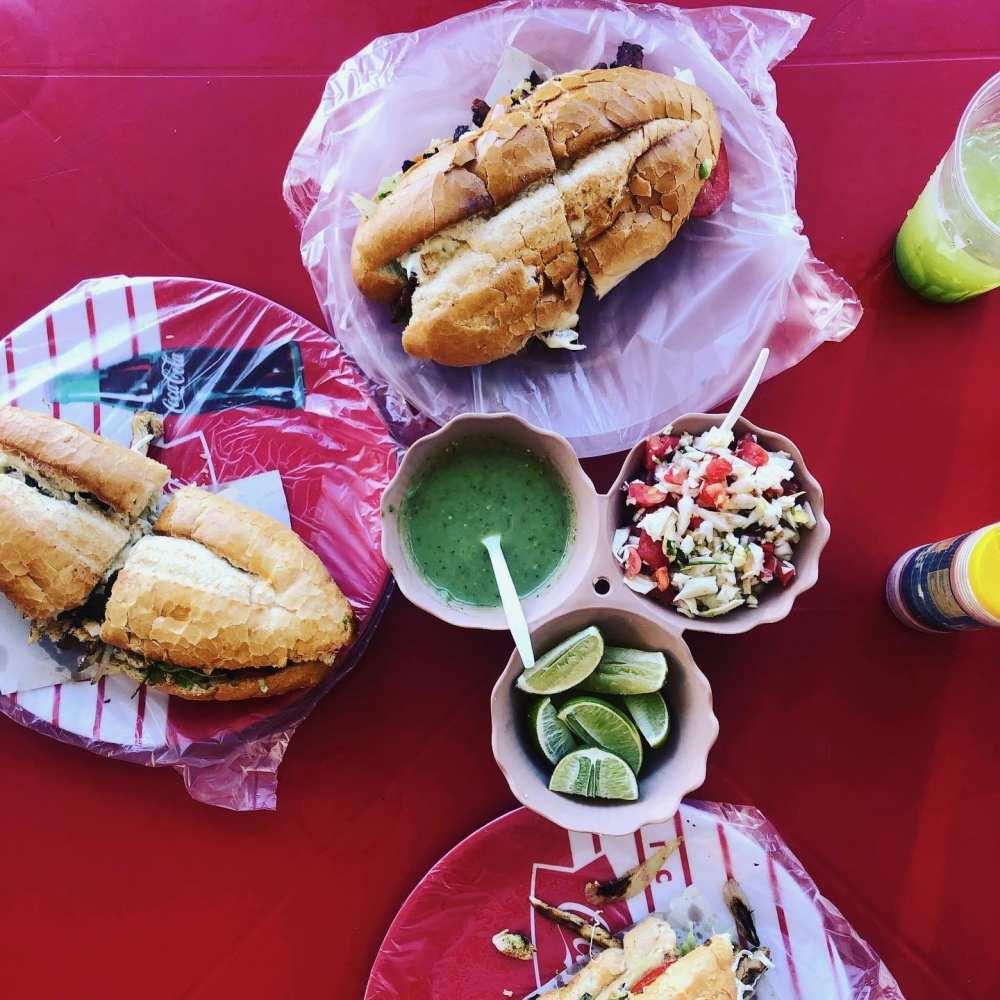 Gringas au restaurant El Sazon