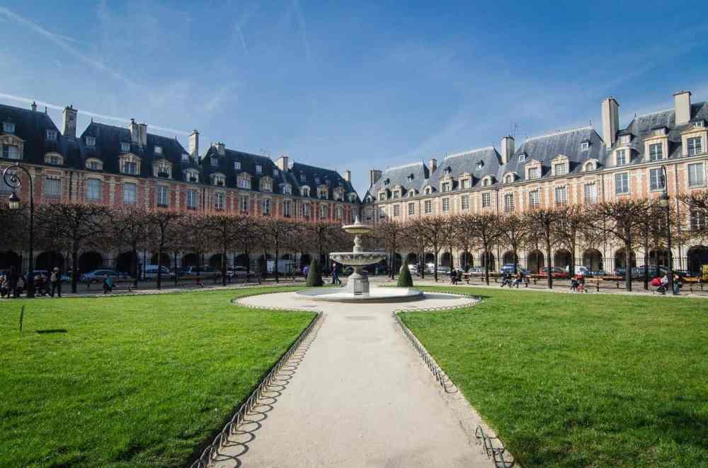 Place ds Vauges Paris passe sanitaire en France 2021