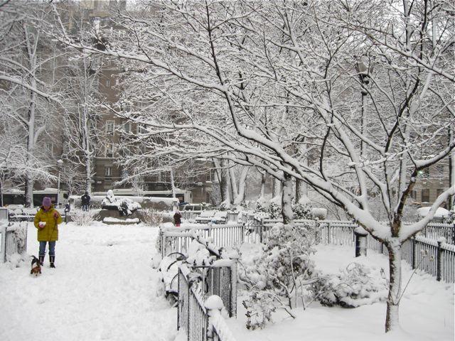 Straus Park snow shot 2009