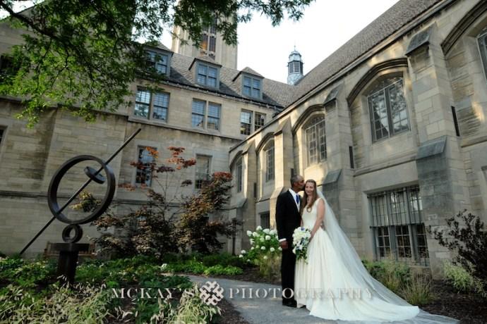 Vintage Wedding Dress and Memorial Art Gallery wedding photos