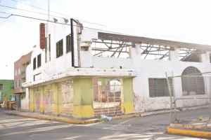 Mobay says goodby to the Old Strand Theater Building: Demolished!