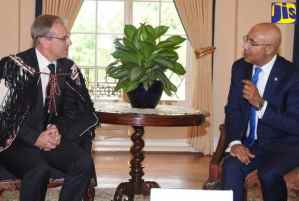 PHOTOS: G-G and New Zealand High Commissioner