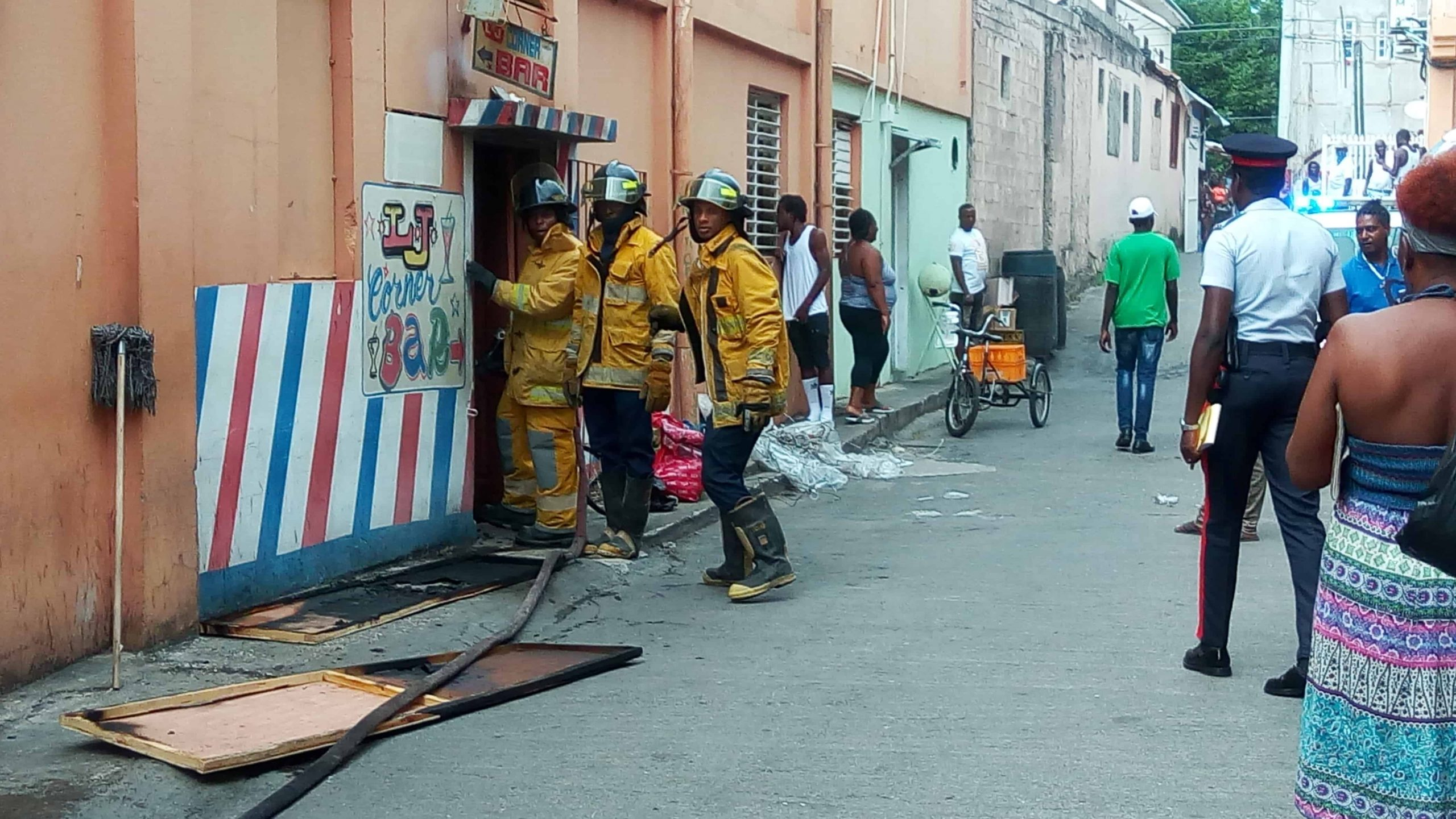 ONESS PLAZA FIRE,IN MONTEGO BAY SEND BUSINESS OPERATORS IN SHOCK