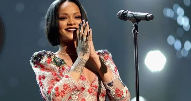 Rihanna's new Album could drop anytime soon, Previews new Music