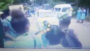 Video: School Girl Beats Her Mother on Street