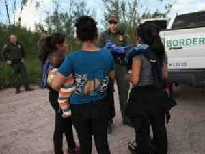 Undocumented female migrants 'could be separated from their children' under US government proposals