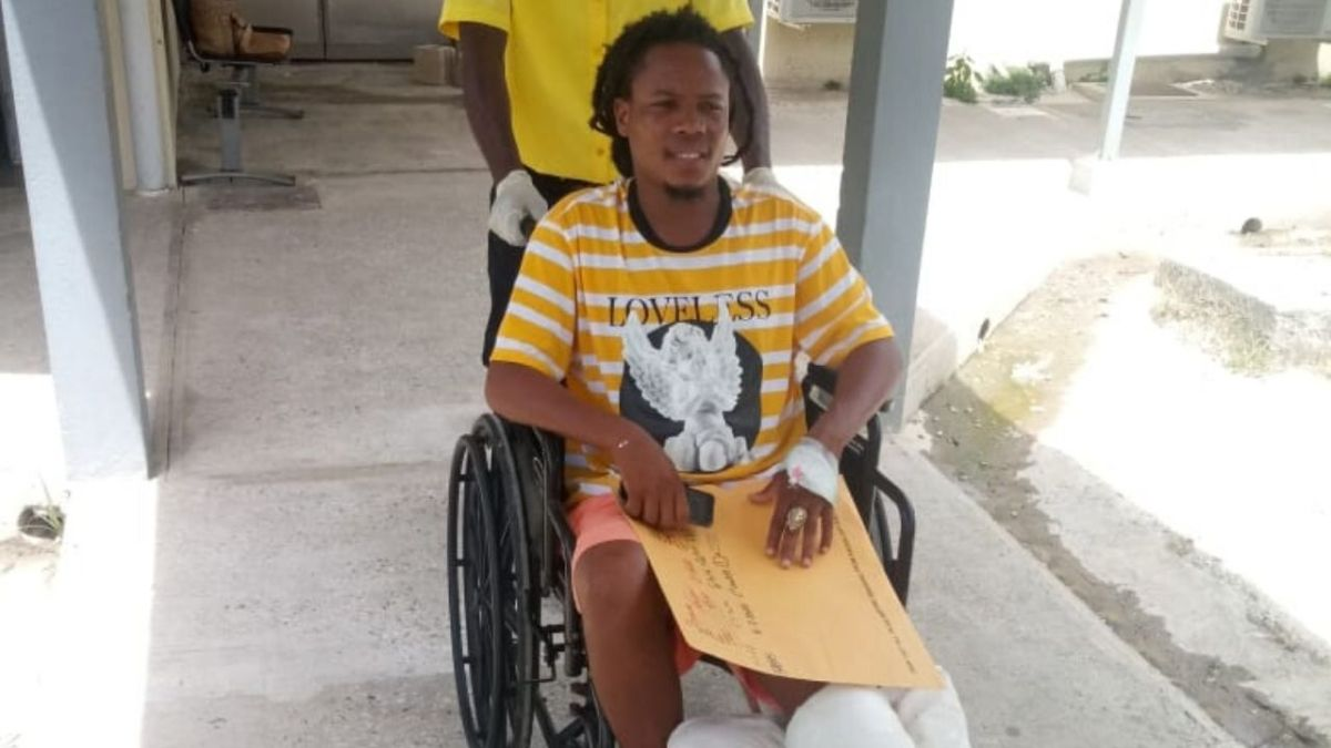 Kanabis hospitalized with broken leg