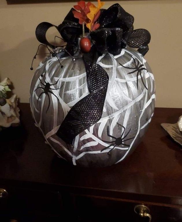 spider decorated pumpkins