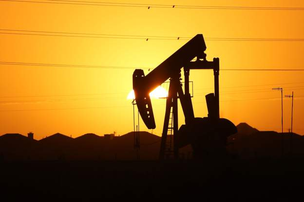 Oil soars to near 14-month high - MCM