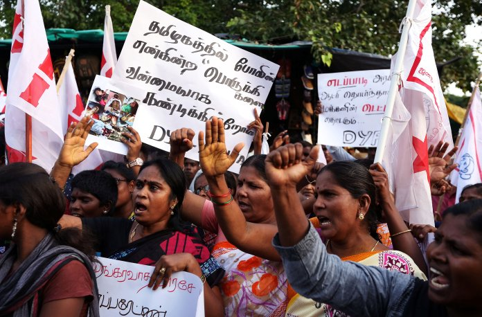Tuticorin: Police Lathi-Charges Protestors; Madras HC Stays Sterlite  Expansion