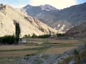 Amazing Ladakhi Valley climbing back into the high mountains