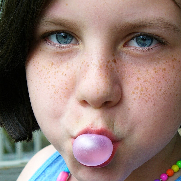 chewing gum and teeth oral health