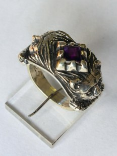 Lion / Mask ring: silver, amethyst