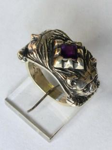 Lion / Mask ring: silver, amethyst