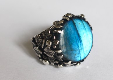 Foliage Ring: labradorite, silver