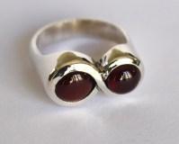Lemniscate ring: siver, garnets