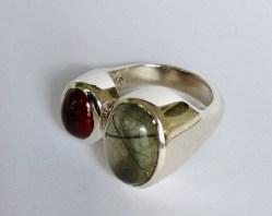 Ring: silver, toutmalated quartz, garnet