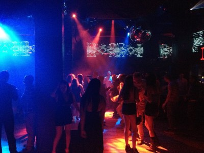 The crowd at Pacha nightclub dancing to the music of DJ A2Z.