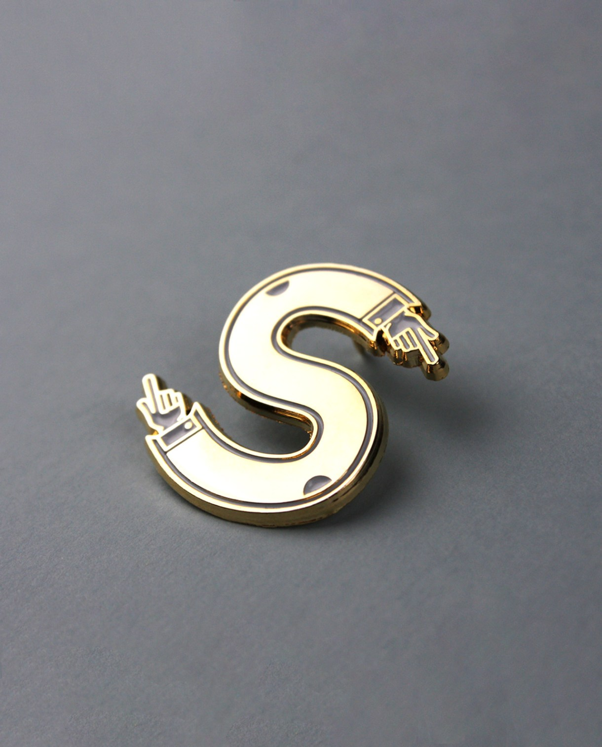 Character Collection Letter 'S' Enamel Pin