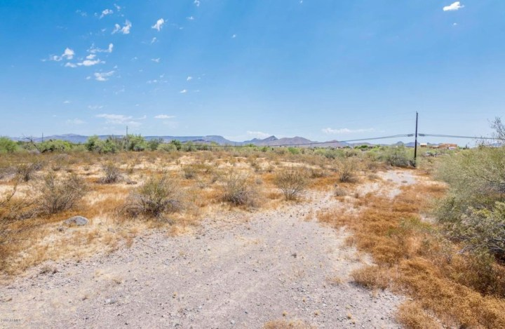 39020 N 17th Avenue, Phoenix AZ 85086 Wholesale Property Listing for Sale
