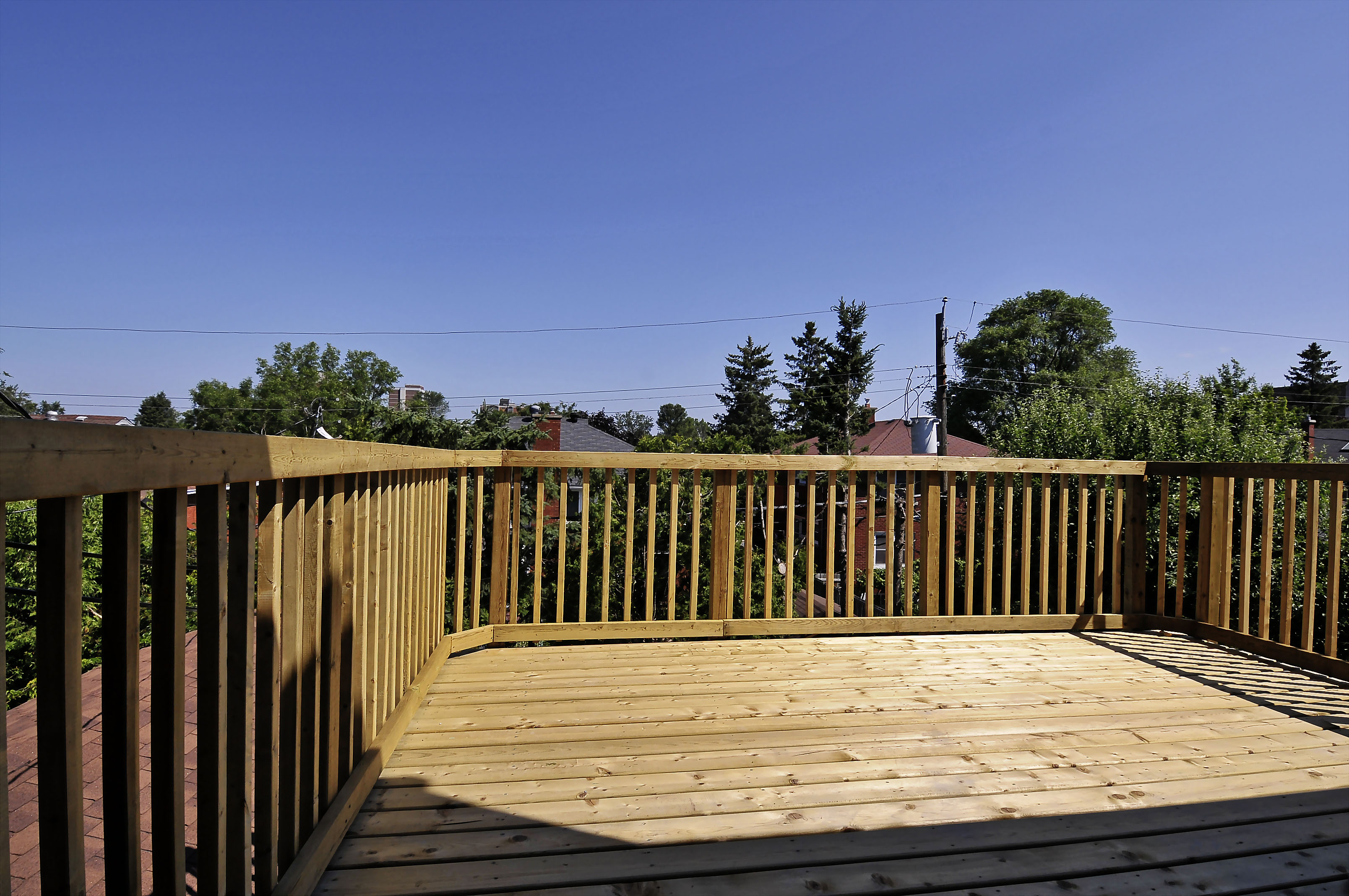 2-1127 Richard Avenue second floor deck views