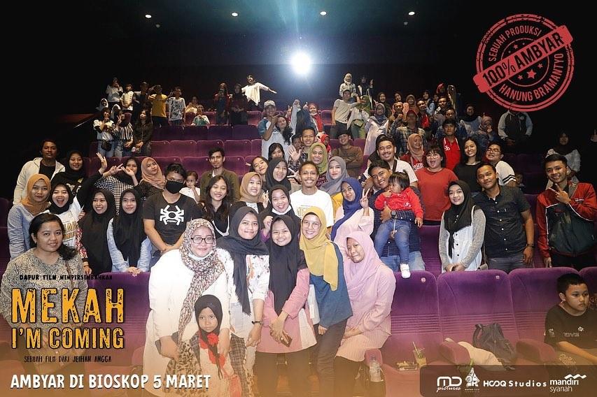Ambyar Di XXI Blok M Square Bersama Pemeran Film Mekah I'm Coming
