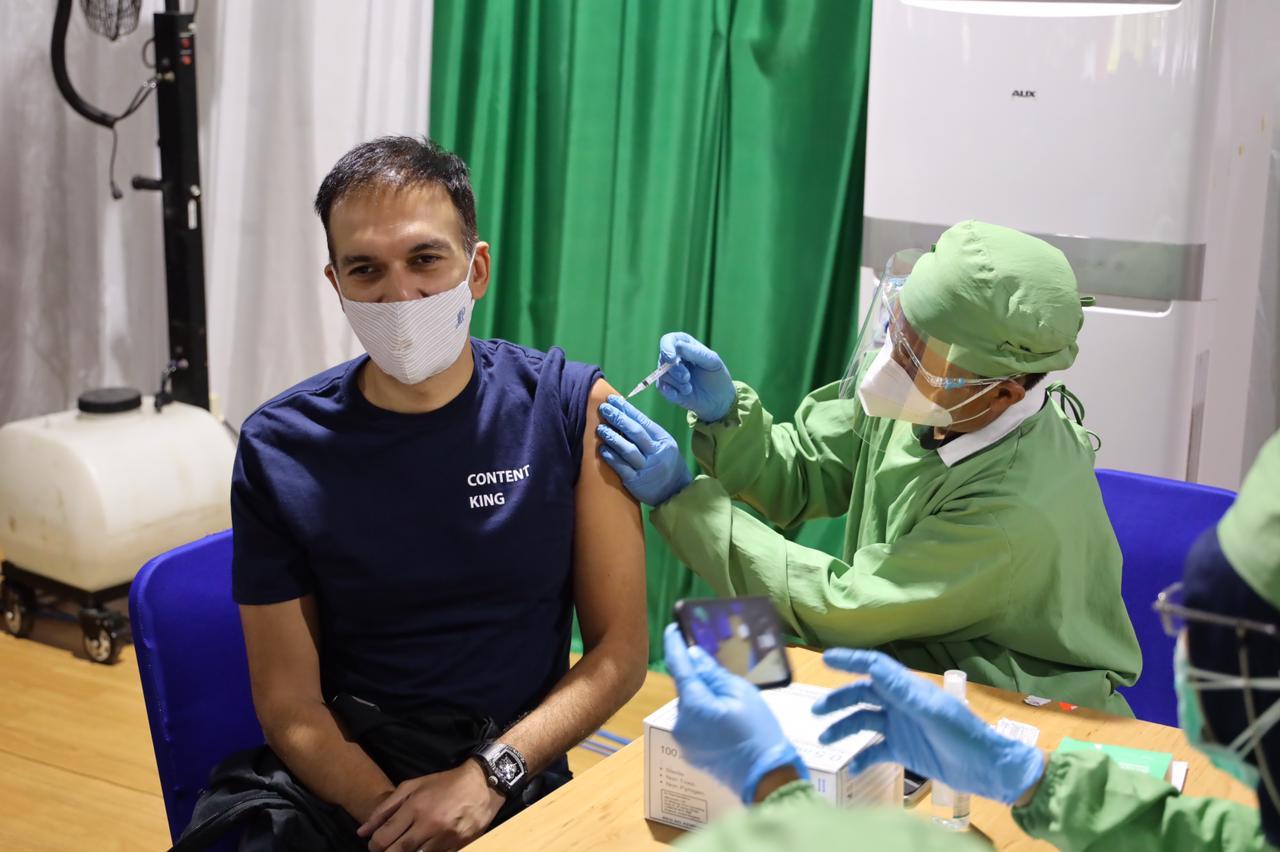 Manoj Punjabi sudah mendapatkan vaksinasi Covid 19 yang kedua!