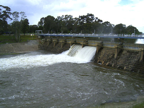 Goulburn Weir. Click for more information.